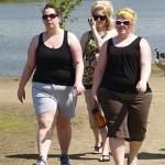 Fetma kan förkorta livet med 20 år – övervikt ett stort hälsoproblem i såväl USA som Sverige