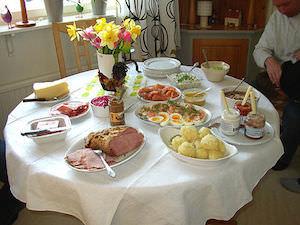 Klassisk påskmat är bra mat – men håll dig undan påskgodiset och påskmusten post image