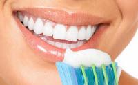 Borsta tänderna 2 ggr om dagen