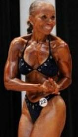 Stark och muskulös kvinna, 75 år fyllda