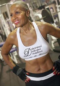 Världens äldsta kvinnliga bodybuilder